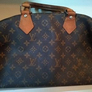 Louis Vuitton Bags - Louis Vuitton Speedy 30 hand bag.